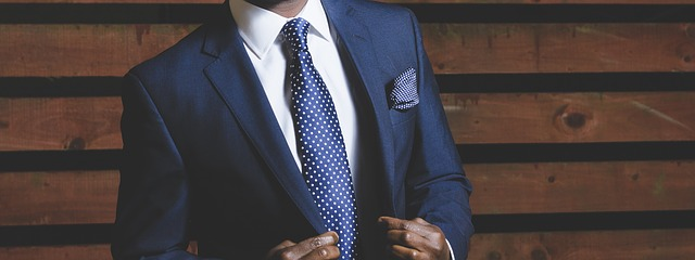 BLAZER AND TIE – The brand appearance